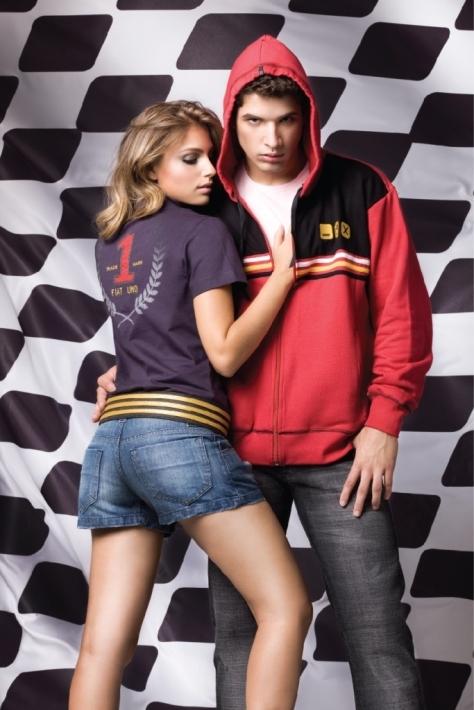 c39089549 Muita gente diz que os blogueiros de moda são os novos lançadores de  tendências. Se isso é totalmente verdade ou não